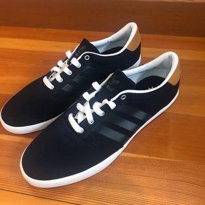 Adidas Men's shoes 10.5